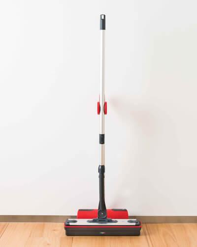 Moppy ist die Lösung für die Reinigung mit Heißdampf ohne Kabel und mit einer großzügigen Wischplatte. Sofort betriebsbreit, praktisch und schnell