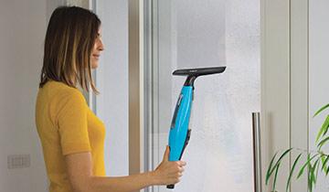 Polti aspiragocce Forzaspira AG200: pulizia finestra