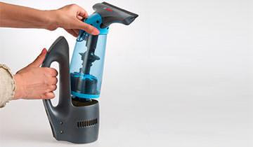 Forzaspira AG100 - light and easy to handle window cleaner