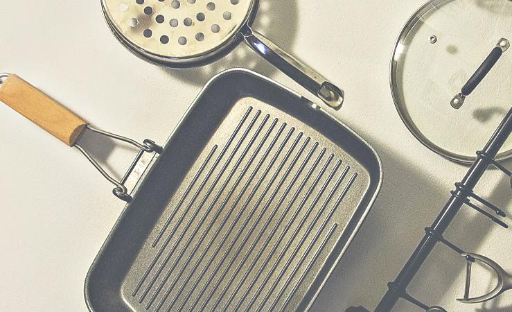 Guida alla pulizia di pentole, teglie e padelle